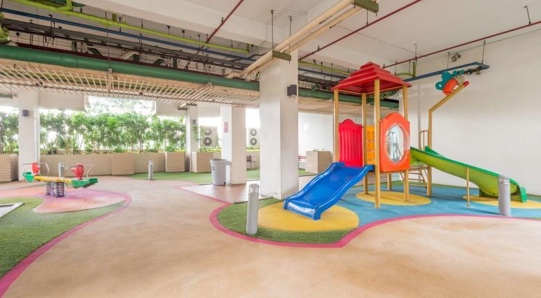 taman bermain anak di apartemen signature park