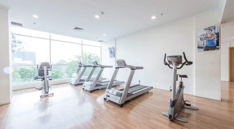 fitness center di apartemen signature park