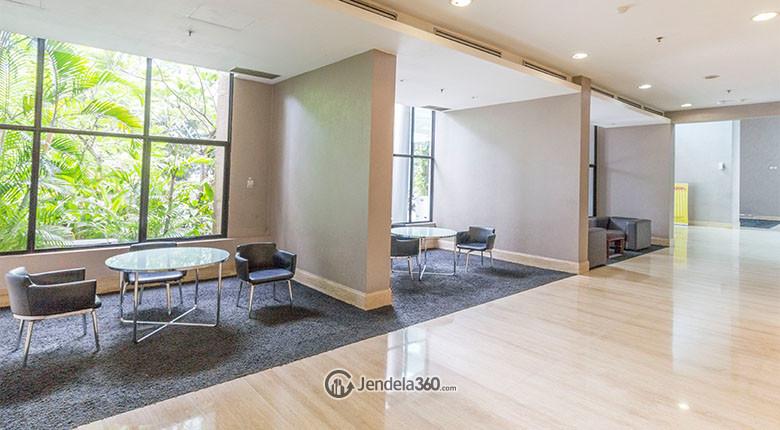 lobby di apartemen hamptons park
