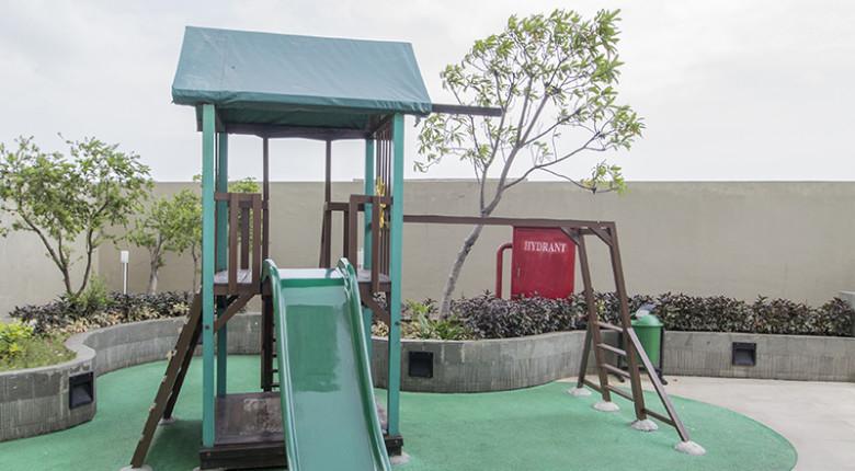 Taman bermain anak di Apartemen Green Lake Sunter