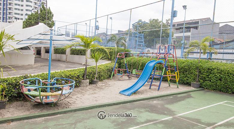 Taman bermain anak di Apartemen Park Royale