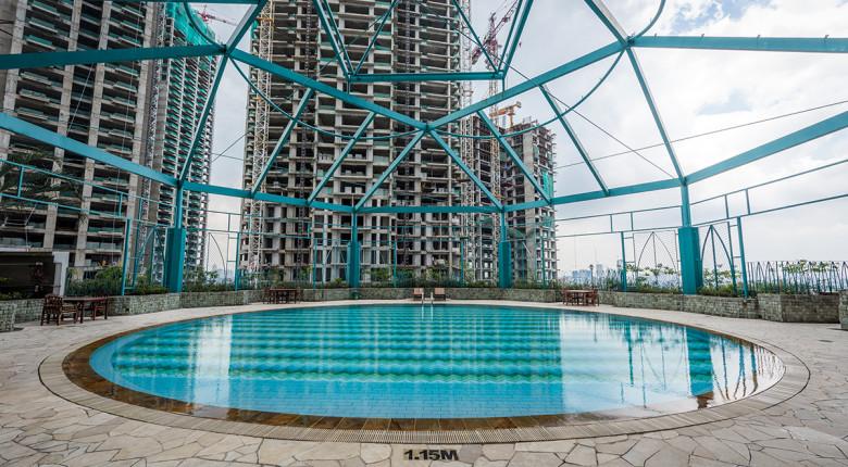 kolam renang taman anggrek condominium
