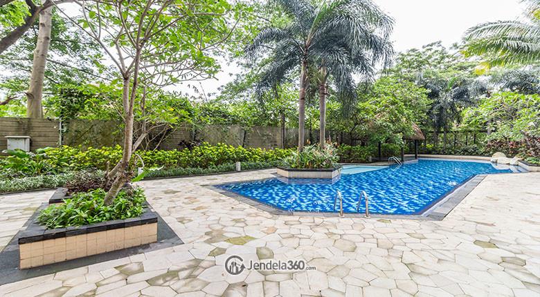 pool di apartemen hamptons park