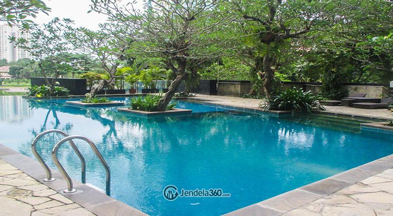 kolam renang apartemen essence darmawangsa