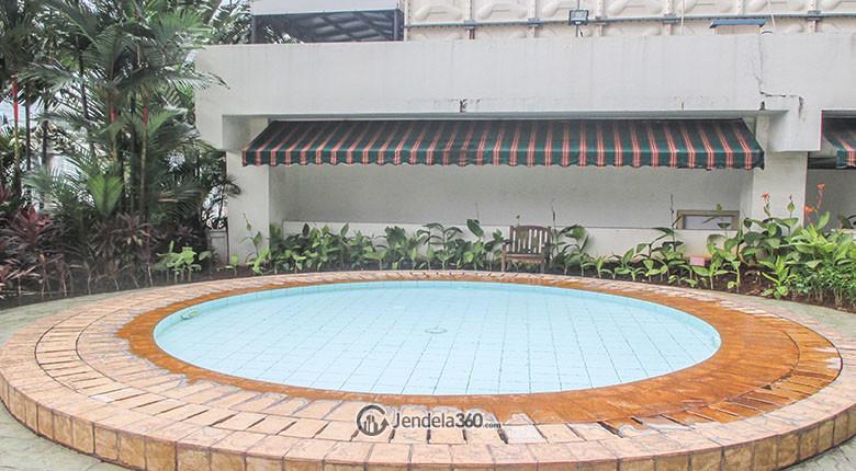 kolam renang ambassador 2 apartment
