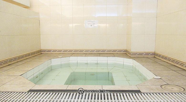 kolam renang apartemen ambassador 2