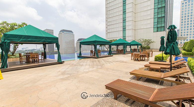 kolam renang senayan city residence
