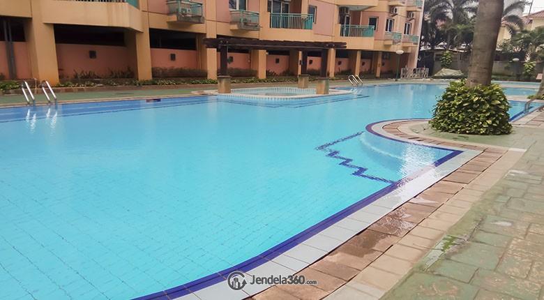 kolam renang Kondominium Menara Kelapa Gading (KMKG) Apartment