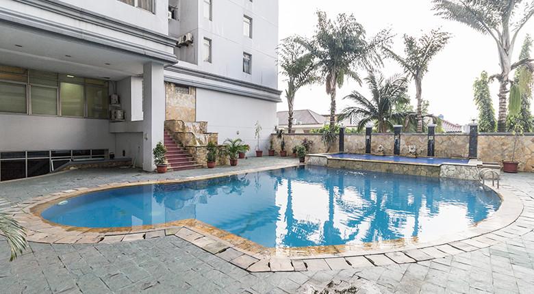 kolam renang apartemen permata eksekutif