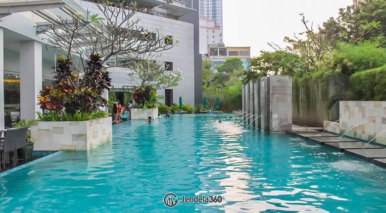 swimming pool Apartemen The Park Residence
