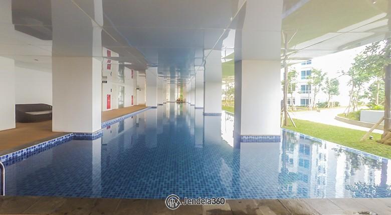 Swimming pool Apartemen Puri Mansion