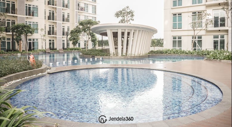 swimming pool Puri Orchard Apartment