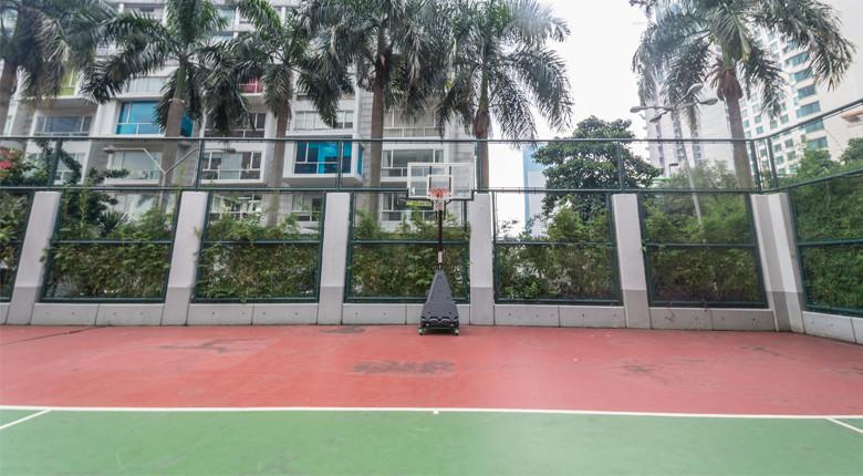lapangan tennis 3 di istana sahid