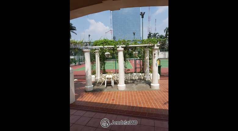 Tennis Court Apartemen Kedoya Elok Apartment