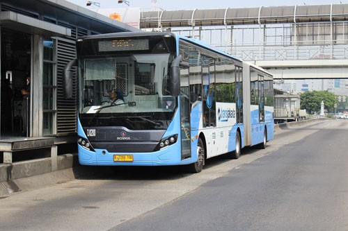 Halte Busway Jembatan Besi
