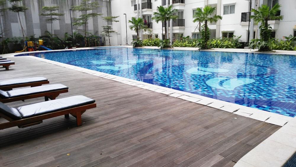 kolam renang signature park grande