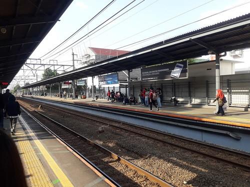 stasiun cawang