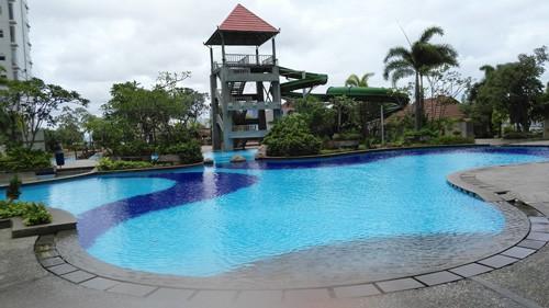 kolam renang seasons city