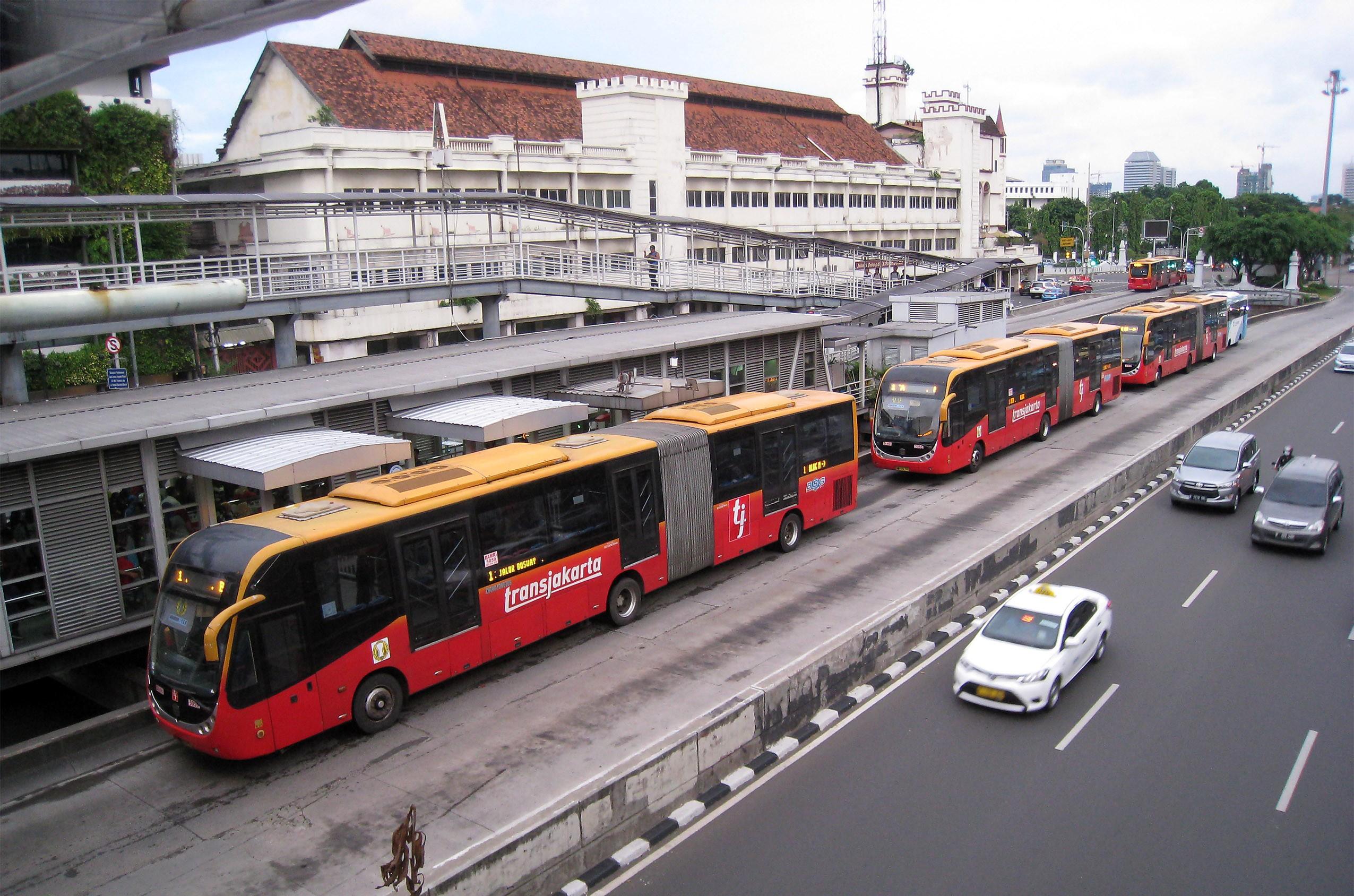 transportasi di tb simatupang