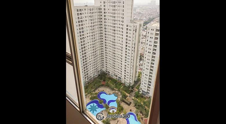 Balcony Season City Apartment