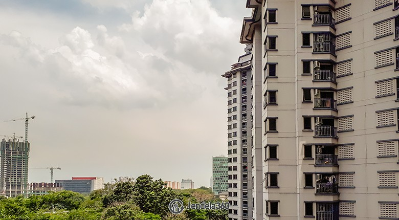 Balcony Apartemen Mediterania Boulevard Kemayoran