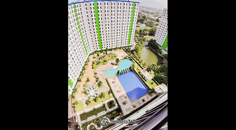 Balcony Green Lake View Apartment