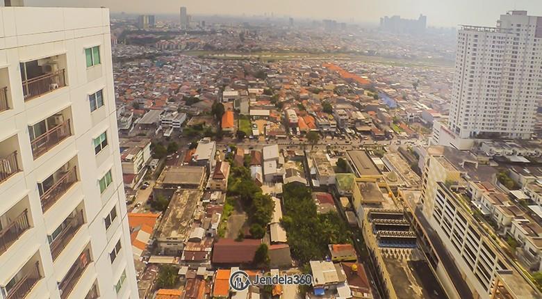 Balcony Thamrin Executive Residence Apartment