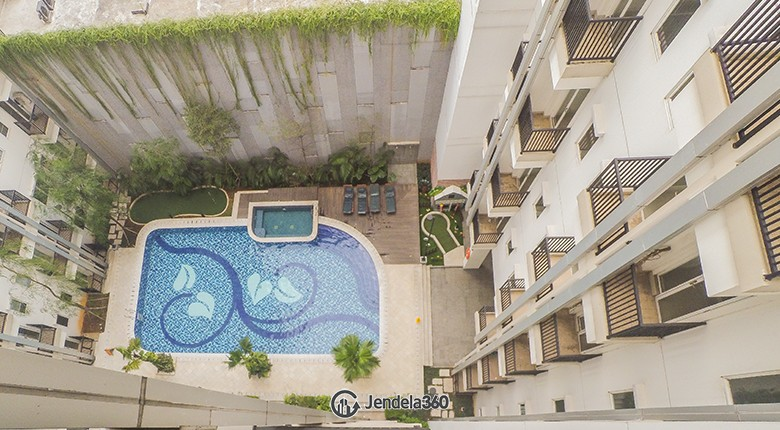 Balcony Signature Park Grande Apartment