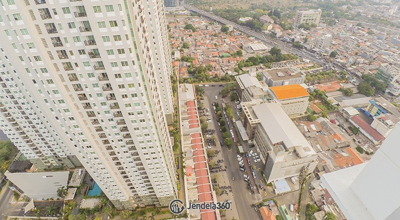 Balcony Thamrin Executive Residence Apartment