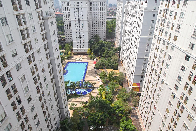 Balcony Kalibata City Green Palace