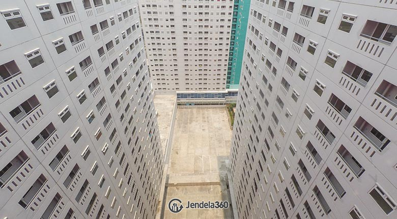 Balcony Apartemen Green Pramuka City Apartment