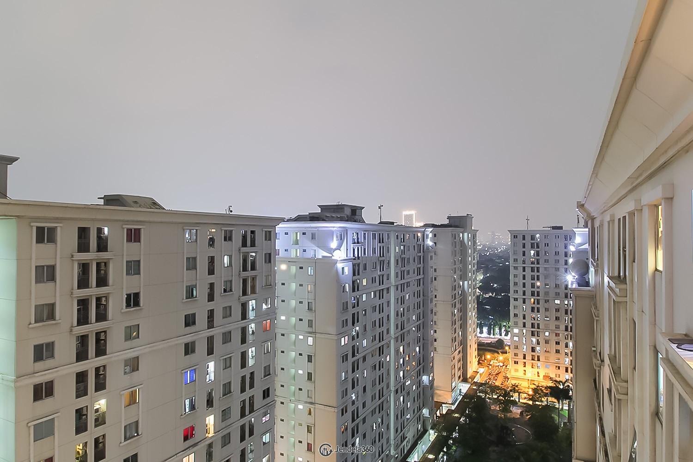 Balcony Kalibata City Green Palace Apartment