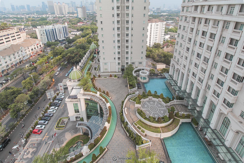 Balcony Apartemen Belleza Apartment