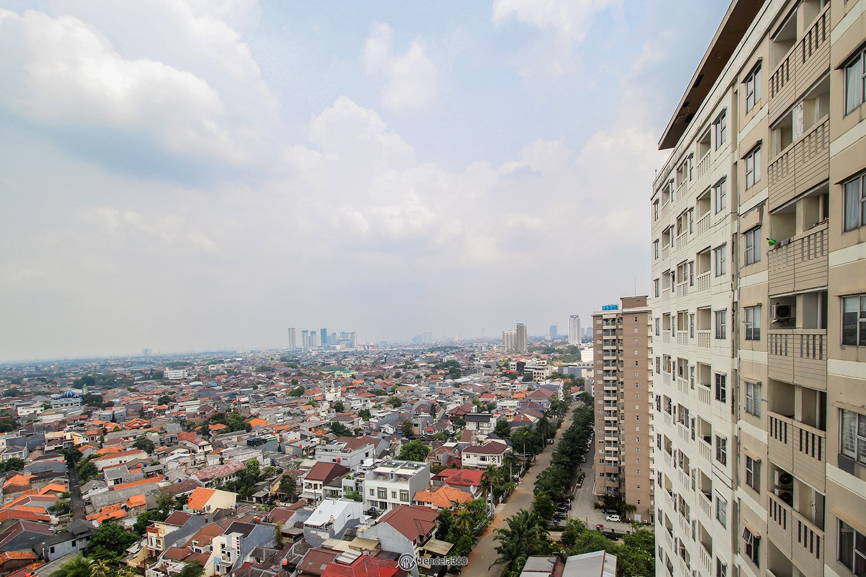 Balcony Apartemen Belmont Residence