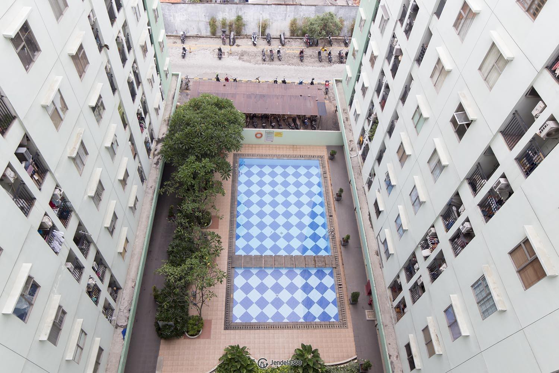 Balcony Apartemen Green Park View Apartment