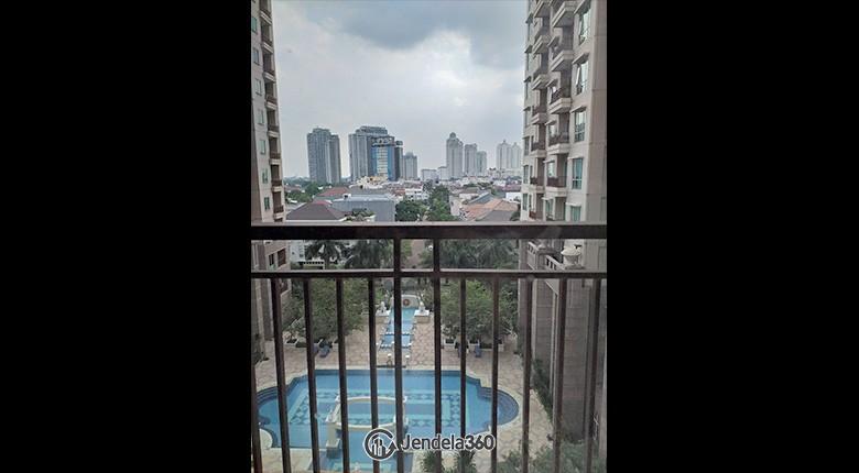 Balcony Apartemen Senayan Residence