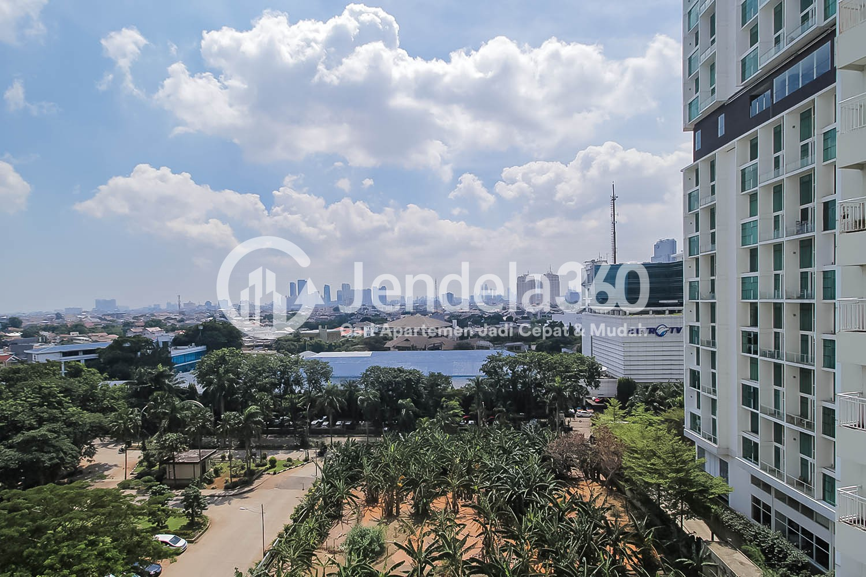 Balcony Metro Park Residence Apartment