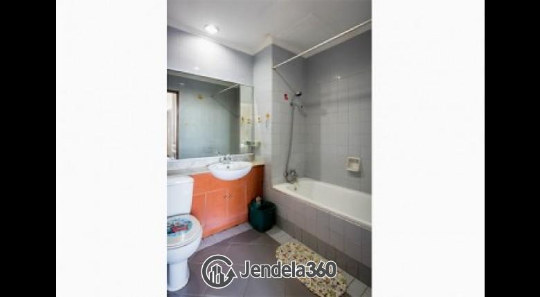 bathroom 1 Red Top Apartment Apartment