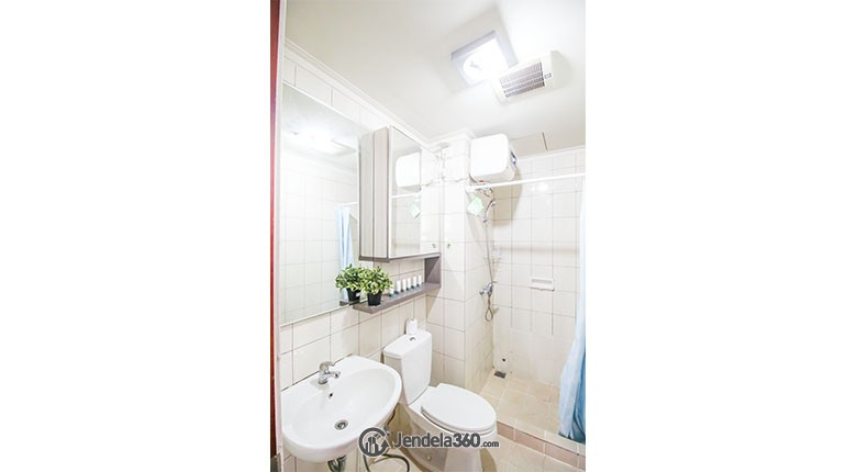 Bathroom puri park view apartment