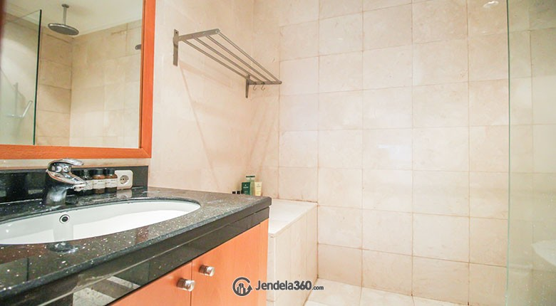 Bathroom Sudirman Mansion Apartment Apartment