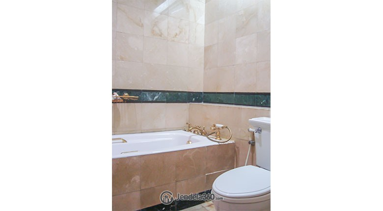 Bathroom Somerset Grand Citra Kuningan