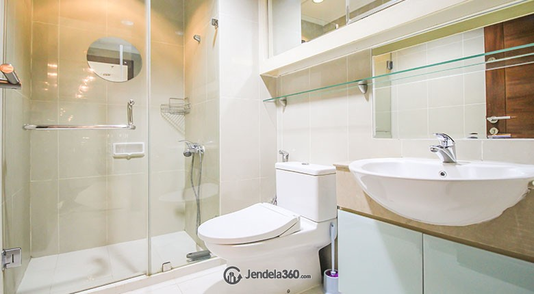 Bathroom Kuningan City - Denpasar Residence Apartment