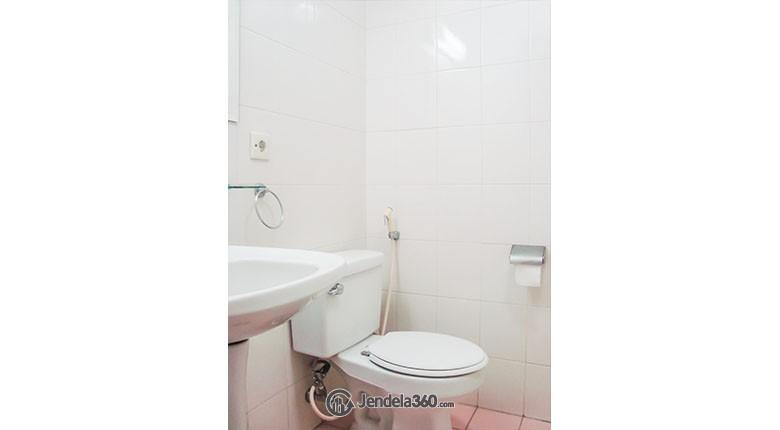 Bathroom Beverly Tower Apartment