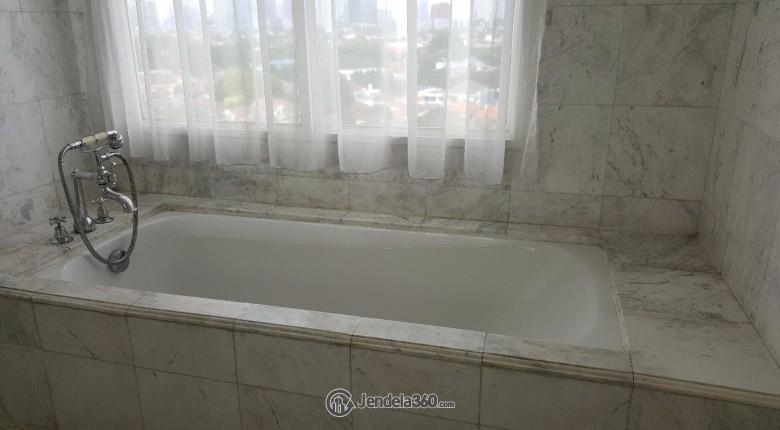 Bathroom Menteng Executive Apartment