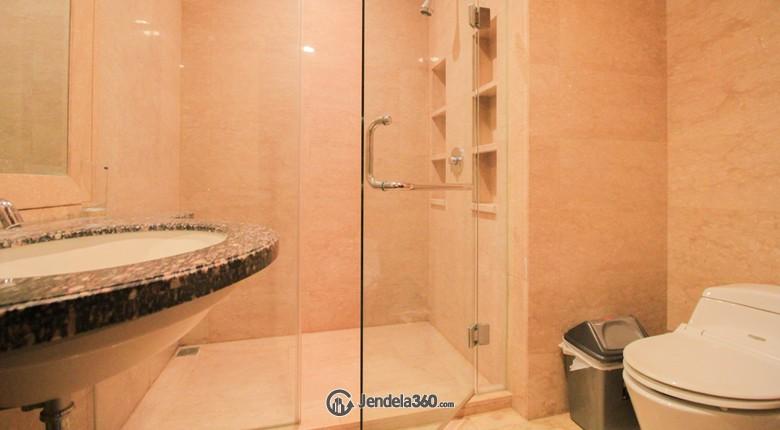 Bathroom Apartemen The Capital Residences