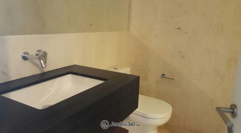 Bathroom Apartemen Verde Residence