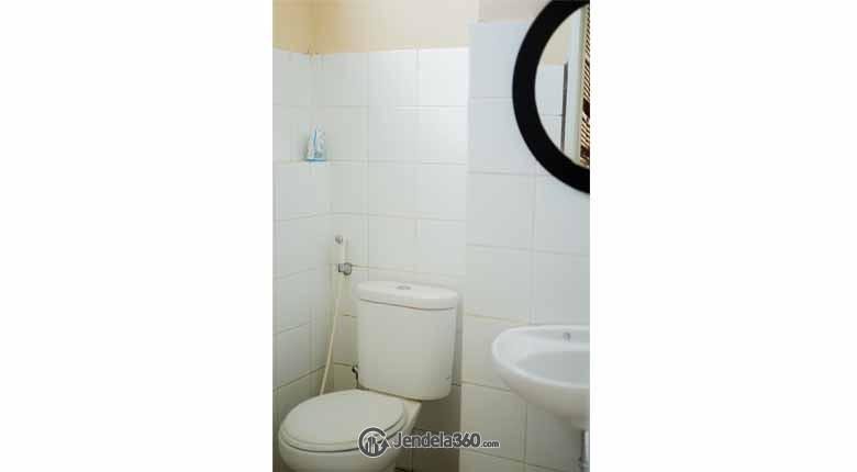 Bathroom Kebagusan City Apartment