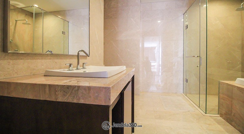 Bathroom Apartemen Ascoot Apartment