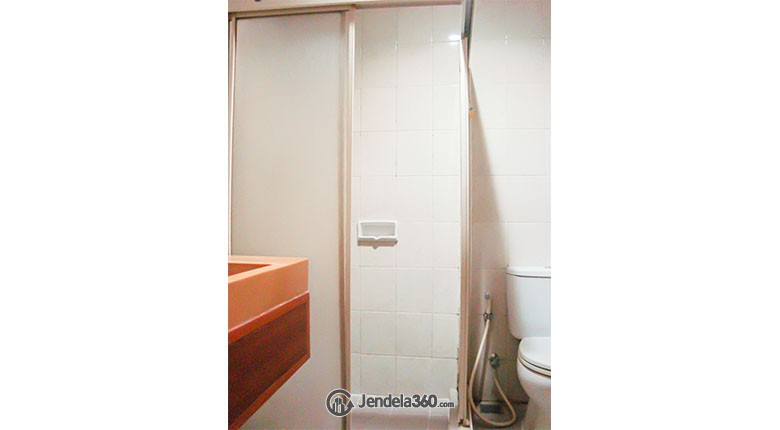 Bathroom Thamrin Residence Apartment