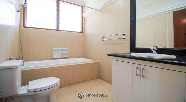 Bathroom Pakubuwono Mansion